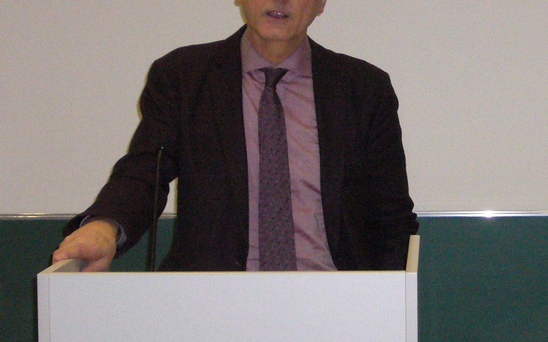 """Goethes """"Faust"""" – Professor Dr. Albert Meier sprach vor über 320 Schülerinnen und Schülern"""